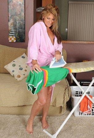 Willst du eine geile Hausfrau privat ficken?